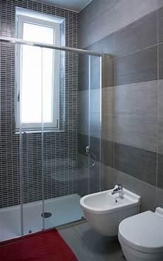interno bagno piccolo bagno con doccia qf97 pineglen