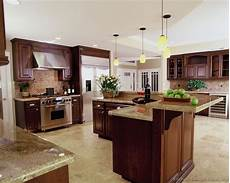 An Quot L Quot Shaped Kitchen Island Kitchen L Shaped Island With 2 Tiers Kitchen Backsplash Designs