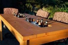 Tisch Mit K 252 Hlfach Diy Terrasse Biertisch Und Terrassen