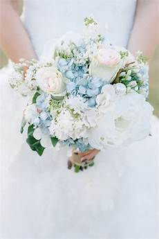 15 beautiful bouquets for your winter wedding brit co