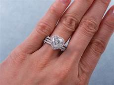 2 13 ctw heart shape diamond wedding ring set includes a matching wedding ring