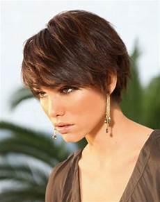 coupe cheveux court avec frange
