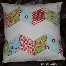 Fairyface Designs Chunky Zigzag Pillow Tutorial