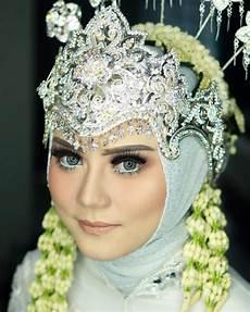 Model Jilbab Pakai Mahkota Model Terbaru