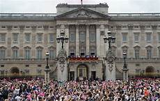 Buckingham Palace - apply to work for the of in buckingham