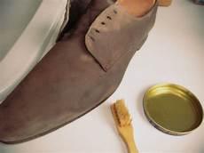 Nettoyer Ses Chaussures En Daim Nubuck Et Veau Velours