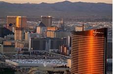 Las Vegas Bewaffneter Verschanzt Sich In Panorama