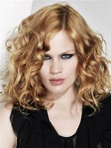 shoulder length blonde curly hair type 2a cool curly hair page 2