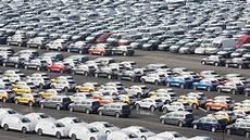 Vw Muss Massenhaft Autos Auf Flughafen Ber Parken Ndr De