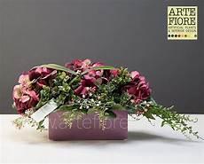 fiori secchi on line composizione di fiori artificiali con ortensie bordeaux