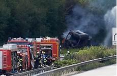 Explosionsgefahr A61 Nach Unfall Mit Gefahrgut Lkw Voll