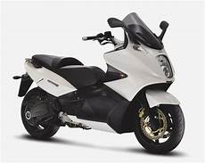 Gilera Gp 800 The Scooter Review Motorcycles Catalog