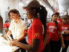 Kitchen Manager Wages by Here S What It Costs To Open A Mcdonald S Restaurant