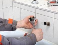 prix intervention plombier combien co 251 te l intervention d un plombier en urgence