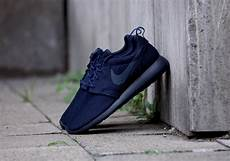 nike roshe run midnight navy the sole supplier
