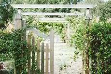 brise vue design jardin brise vue design pour un jardin pensez au bois