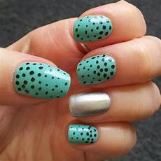 polka dot nail art the latest trend to be followed