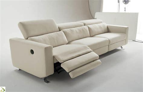 Divano Nardo 3 Posti : Divano Con Recliner Elettrico Cirillo Arredo Design Online