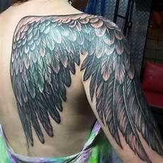 tatouage ailes dos tatouage aile epaule cochese