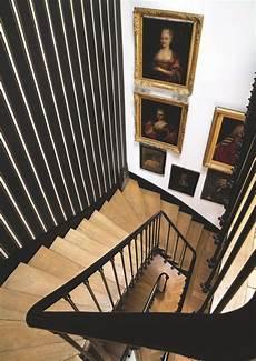 papier peint renovation escalier en bois en b 233 ton tournant trouvez l