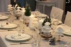 tischdeko weihnachten weiß weihnachtliche tischdekoration grau wei 223 tischlein deck dich