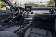 mercedes gla innenraum mercedes amg gla 45 und gla 200d zarte modellpflege