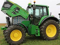 electric deere tractor runs for 4 hours on a charge