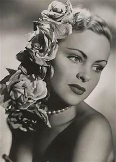 40 best 1950 s old hollywood glamour halloween beauty look inspiration images on pinterest