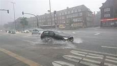 Erneutes Unwetter 252 Berflutet Stra 223 En Und Keller In Hamburg