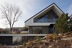 Puristisches Einfamilienhaus Mit Satteldach