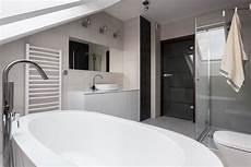 bagno mansarda creare o ristrutturare un bagno nel sottotetto mansarda