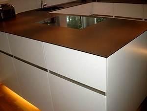 Arbeitsplatte Küche 4m : k che mit minimalistischer arbeitsplatte ~ Michelbontemps.com Haus und Dekorationen