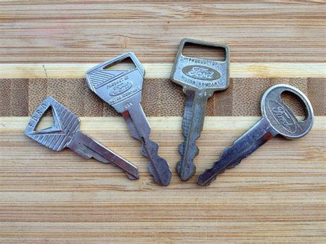 5 Vintage Ford Car Keys For Collectors, Jewelry, Steampunk