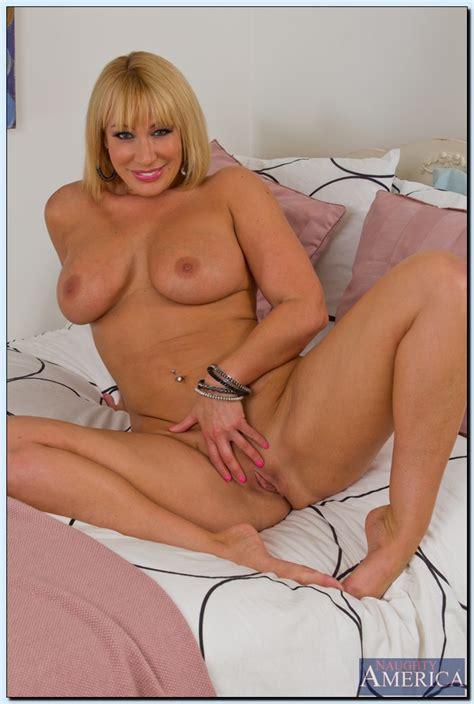 Blonde MILF Mellanie Monroe Tease And Strip MILF Fox