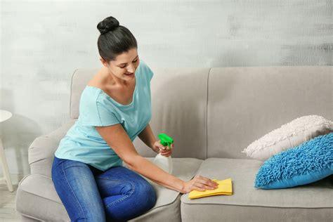 Omas Hausmittel Putzen by Sofa Reinigen 187 Mit Diesen Hausmitteln Kein Problem