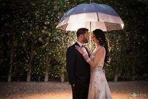 6 tips for incredible rainy day wedding photos for Umbrella wedding photos