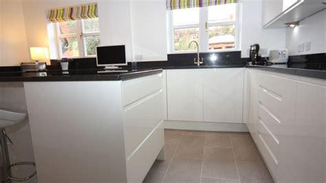 white contemporary kitchen bromsgrove diamond kitchens