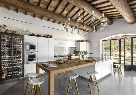 cuisine st paul cuisine harmonieuse et contemporaine pour cette rénovation