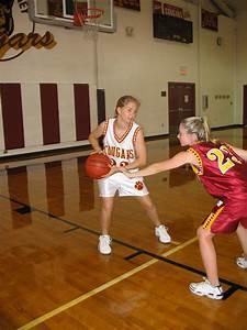 sports: basketball players-DuBos: Fielkow a rarity among ...