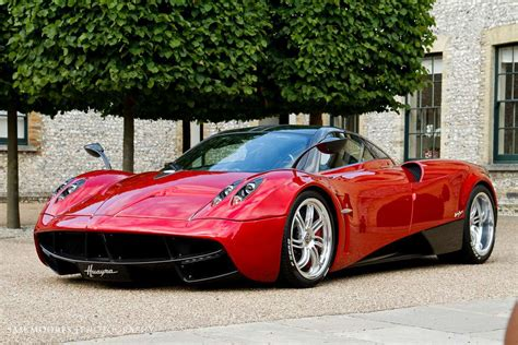 Pagani Huayra Review, Specs, Price, Top Speed, 0-60 Mph