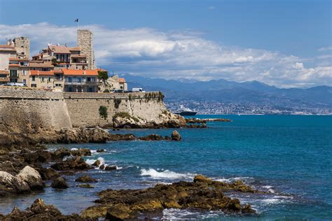5 Must Visit Places On The French Riviera Yonderbound