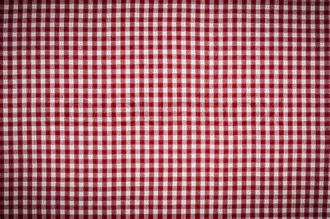 red  white gingham checkered picnic blanket tablecloth