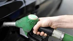 Essence Sans Plomb 95 : les prix de l 39 essence et du gazole en l g re baisse ~ Medecine-chirurgie-esthetiques.com Avis de Voitures