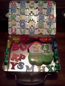 Store magnetic letters in a metal lunch box great car for Magnetic letters for cars