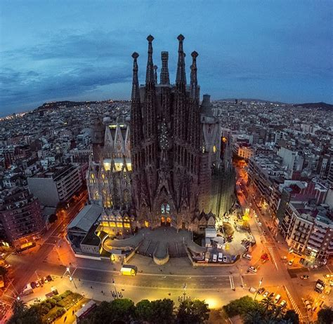 What to see in Barcelona: Top 10 essential places that you ...