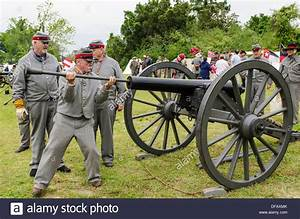 Confederate artillery unit cannon action Thunder on the ...