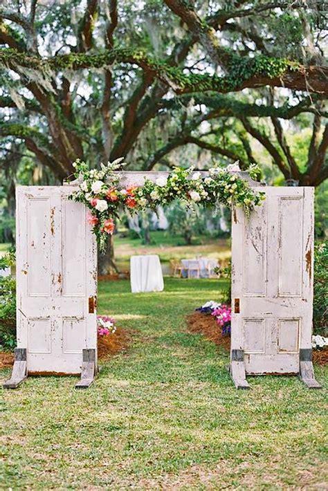 30 Rustic Old Door Wedding Decoration Ideas I Want A