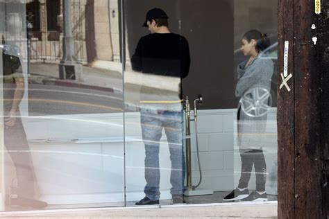 Mila Kunis & Ashton Kutcher Go Bathtub Shopping In Los