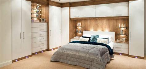 chambre à coucher pont de lit dressing pour chambre idées fonctionnelles modernes