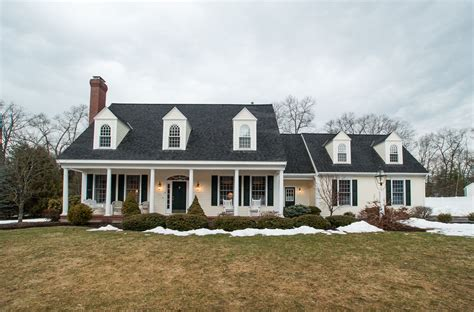 Characteristics Of New England Style House House Style